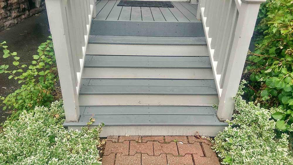 Trex Select decking in two tone cedar