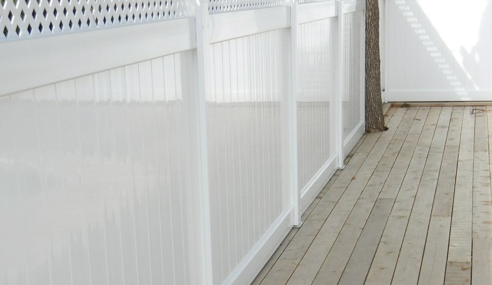 custom fencing in ottawa backyard