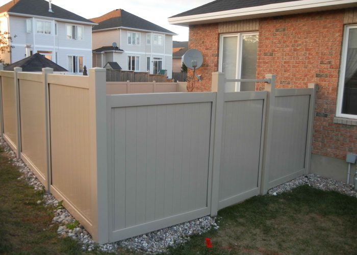 PVC fence in OTtawa backyard