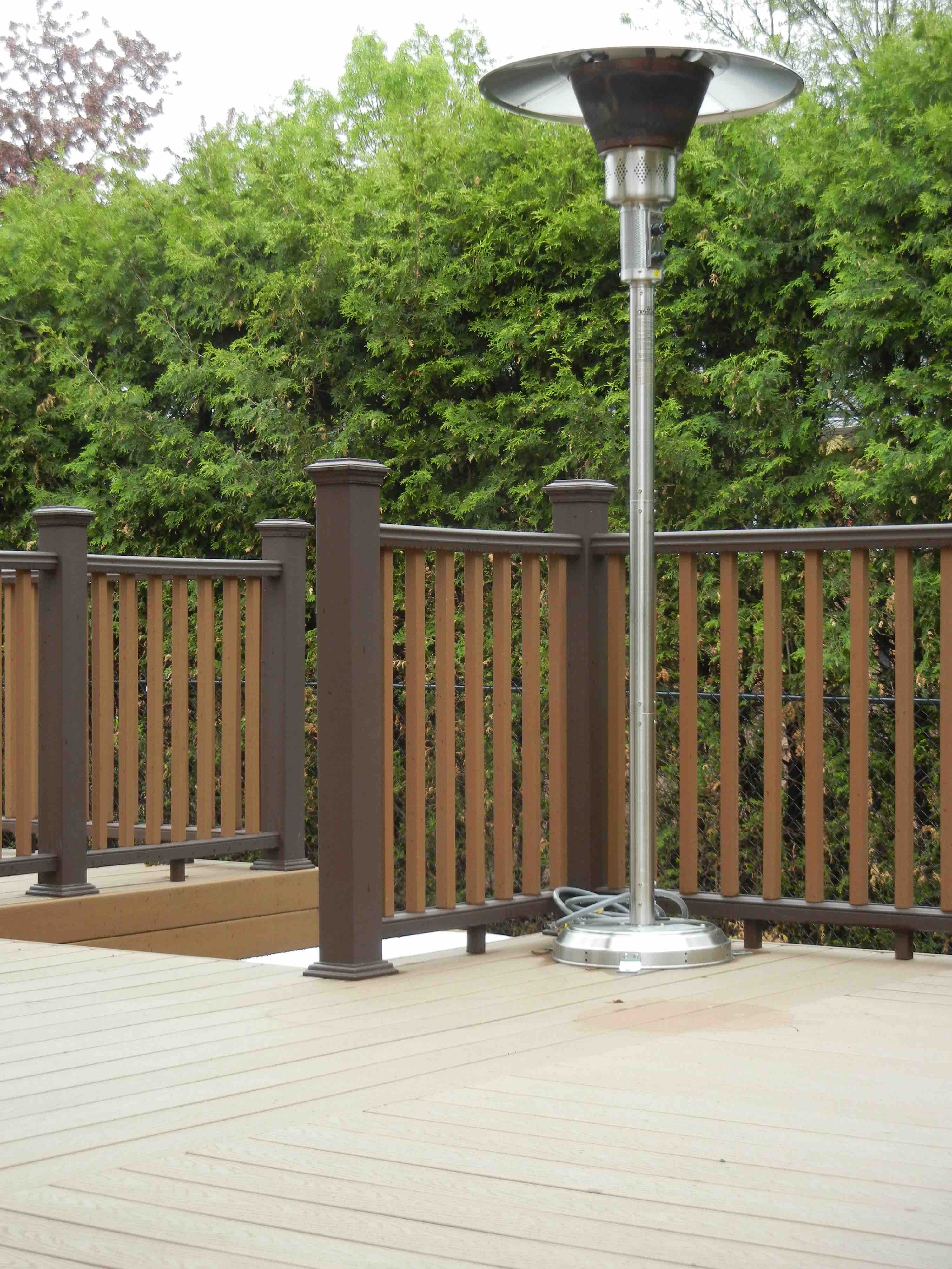 Trex Decking with Trex 2-tone Railing