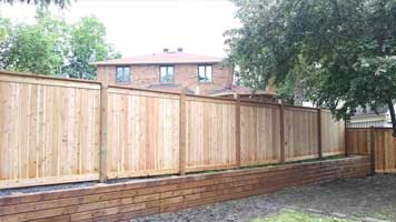 privacy fence raised off ground